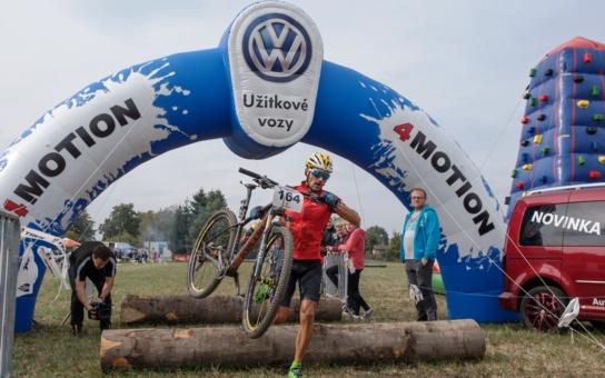 Závodníci Bobr Cupu přispěli nemocnému Matýskovi na rehabilitaci díky aplikaci EPP Pomáhej pohybem