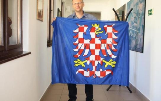 Moravská vlajka bude poprvé vlát na přerovské radnici. Vyvěšena bude v den příchodu slovanských věrozvěstů Cyrila a Metoděje na Velkou Moravu
