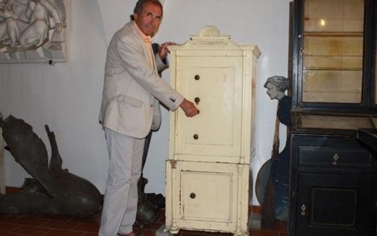 Historický trezor bez klíčů putoval ze skladu přerovského magistrátu do muzea. Zjistit, kdo ho vyrobil a komu vlastně sloužil, to už bude úkol pro historiky
