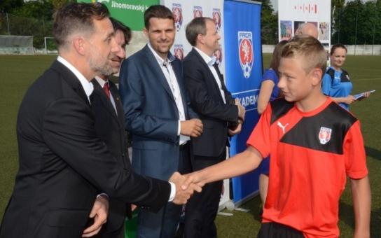 Jižní Morava má novou fotbalovou akademii. Nadějné talenty přivítal bývalý reprezentační záložník Karel Poborský