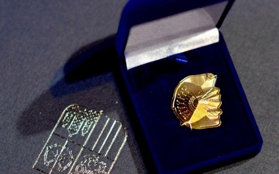 Zlatou šupinou ocenil hejtman Zimola majitele Brisku, zlatého paralympika, známého kreslíře, šéfa třeboňského rybářství i legendy sportovní novinařiny